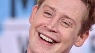 """Macaulay Culkin 32 évvel idősebb színésznővel vállalt """"őrületesen erotikus"""" szexjelenetet"""