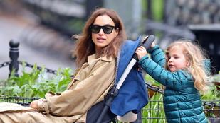Irina Shayk sétálni ment lányával, végül a hároméves tolta őt