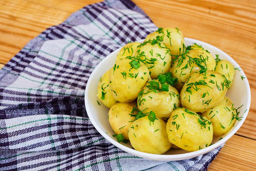 Így lesz tökéletes a petrezselymes újkrumpli: a tavasz kedvenc körete