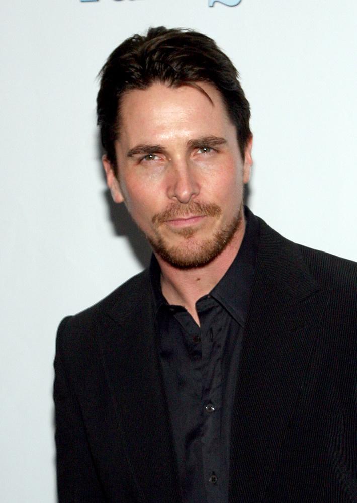 Ez pedig már egy sokkal előnyösebb időszakában: íme, Christian Bale!