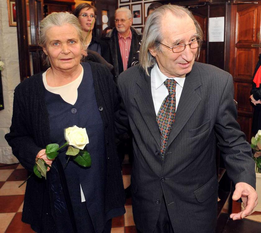 2009 decemberében a Pepita-díj-átadó gálán a közönség szavazatai alapján a 2009-as év Pepita-díjas színművésze Szilágyi István lett.