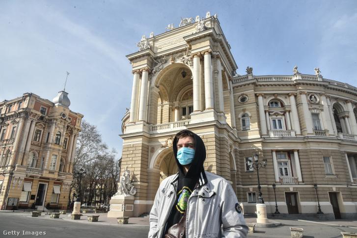 A város Operaháza a járvány idején