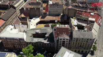 Megszüntették egy 130 éves, józsefvárosi épület műemléki védettségét, hotel épül