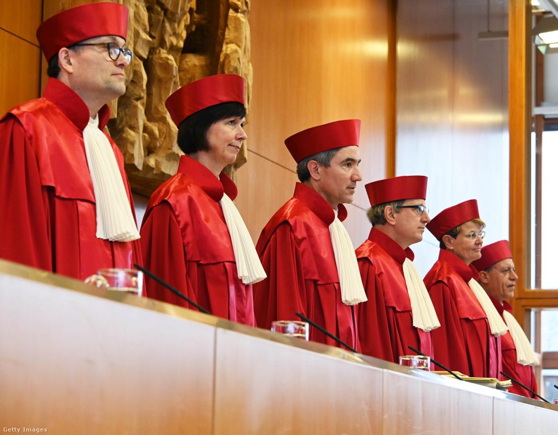 A német alkotmánybíróság tagjai 2020. március 10-én