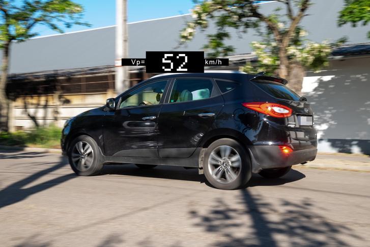 Mondtam, hogy SUV-val nem rémisztő a fekvőrendőr! Masszív szabálysértőt látunk