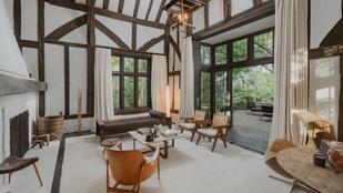 Ellen DeGeneres öt hónapja vásárolta, most majdnem kétszeres áron hirdeti Tudor-kori otthonát