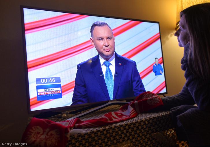 Andrzej Duda egy tévés vitán 2020. május 6-án a TVP1 csatornán