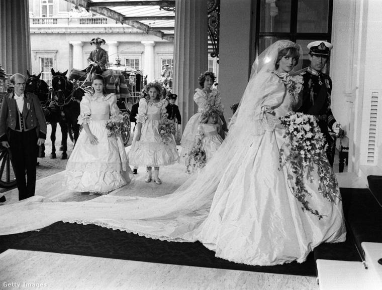 Diana hercegné és Károly herceg a Szent Pál-székesegyházban.