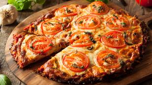 Húsimádó vagy? Csirkés alappal is készíthetsz pizzát!