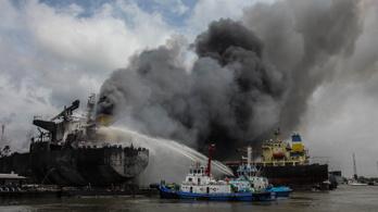 Robbanás volt egy indonéz tartályhajón, hét halott