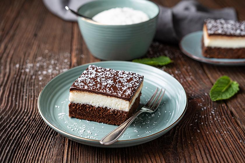 Felturbózott brownie: a csokis tésztára édes kókusztöltelék és csokimáz kerül