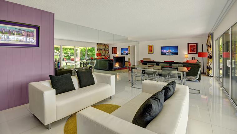 Ez a közös helyiség ismét visszatér a naturálisabb színekhez
