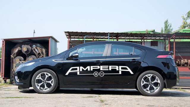 A hibridek - koncepciójukból adódóan - mindig furcsa formák, szerencsére az Ampera a kellemesebb megoldás