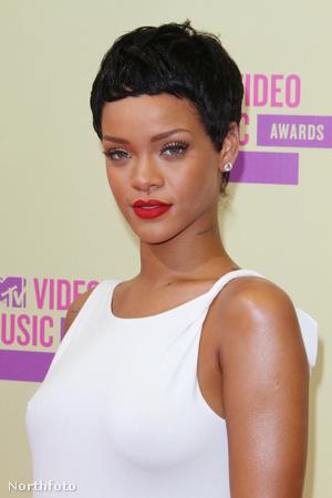 Íme Rihanna új frizkója!