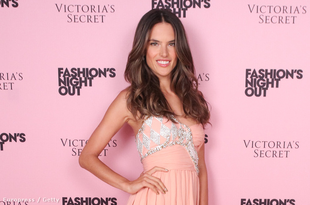 Vogue Fashion's Night Out - Alessandra Ambrosio, modell