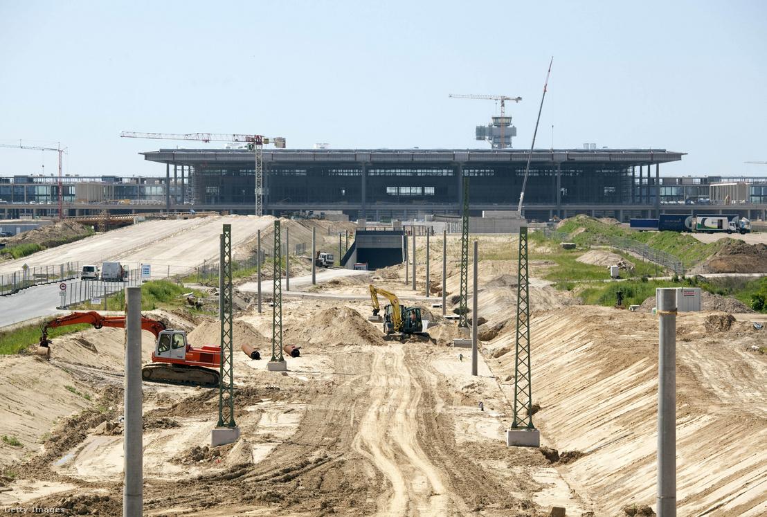 Az épülő reptér 2010-ben