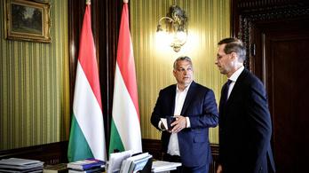 Orbán Viktor meglátta a koronában a jót