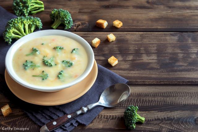 Ha sajt nélkül készítjük, akkor tejmentes, egyben vegán is lesz az ételünk.