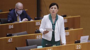 EP-vita: Ne kapjon több uniós forrást Magyarország