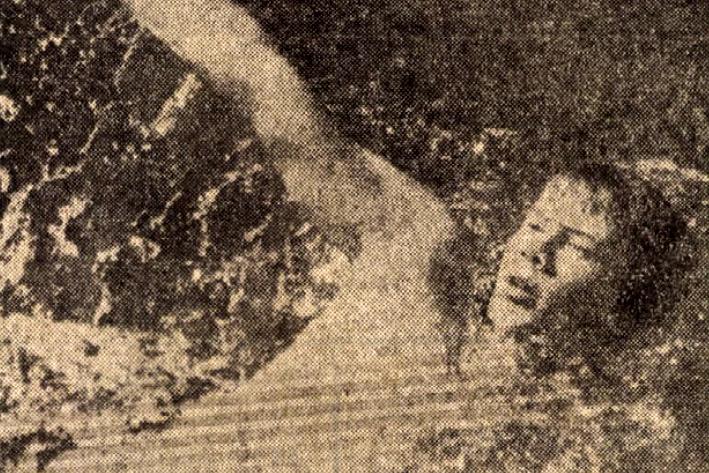 Wladár Sándor győzött a 100 m-es hátúszásban, s még több jó eredményével hozzájárult a magyar csapat kitűnő első napi szerepléséhez. Forrás: Népsport 1976. július 11. / Arcanum adatbázis