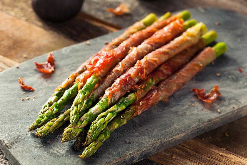 baconbetekertspárga