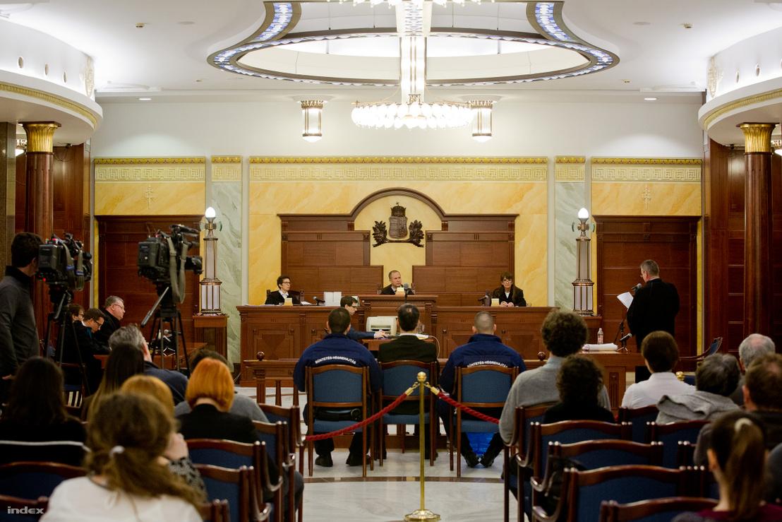 Bene Krisztián tárgyalása 2018. február 16-án
