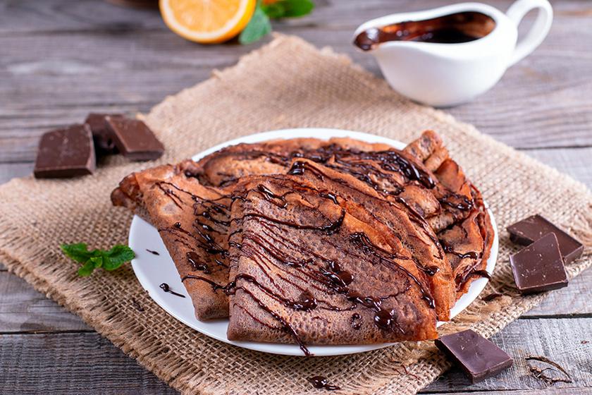 Vékony tésztájú kakaós palacsinta – A kakaó a tésztába kerül, így még finomabb