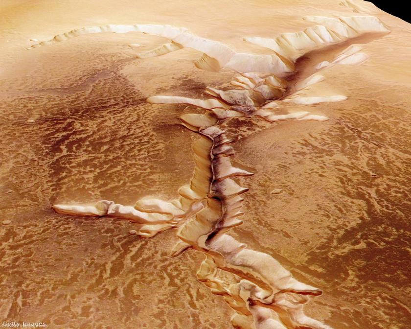 Marson található kiszáradt folyómeder.
