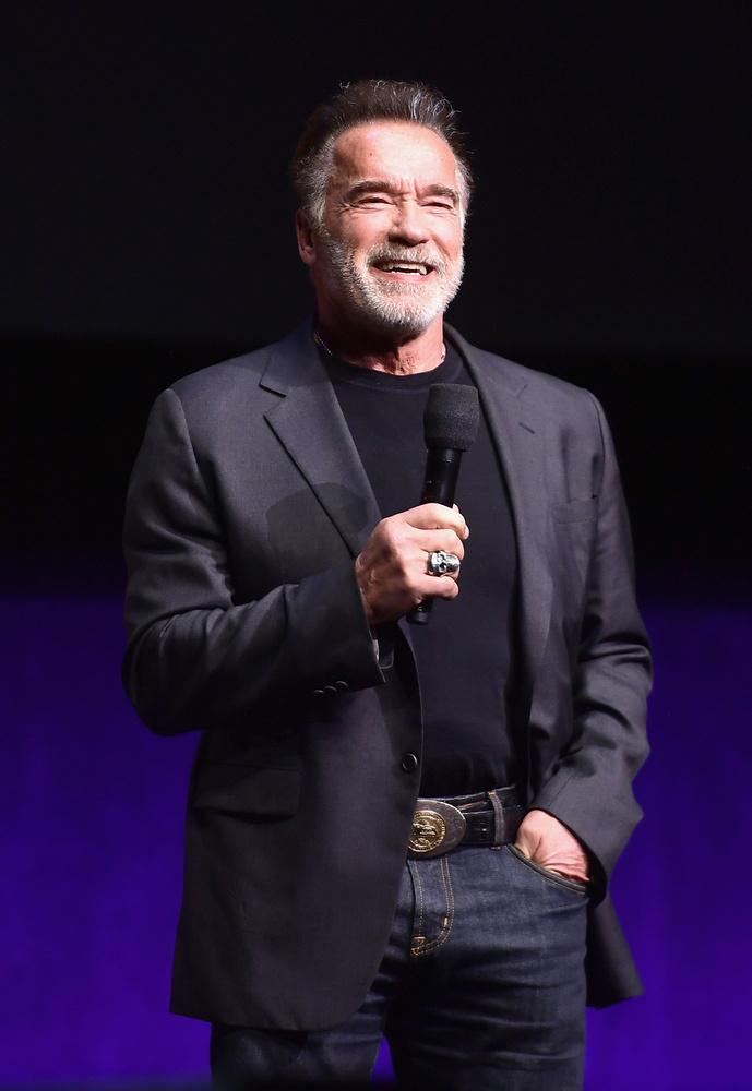 Arnold Schwarzenegger - Vörös SzonjaSchwarzenegger a 80'-as évek közepén követett el filmes ámokfutást a Vörös Szonja című fantasy-vel