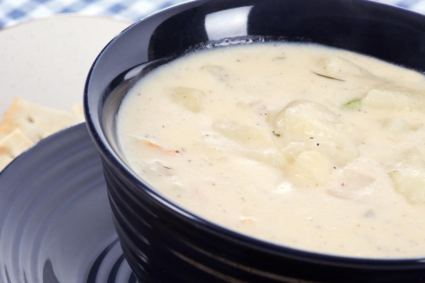 Régimódi, babéros, tejfölös krumplifőzelék: így nem lesz csomós a habarás