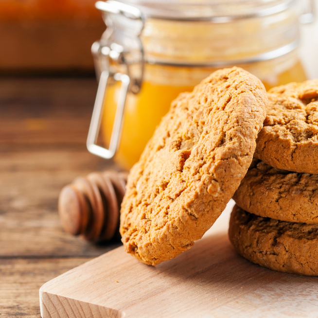 Teljes kiőrlésű, méztől puha keksz – Extra gyors sütemény kávé mellé