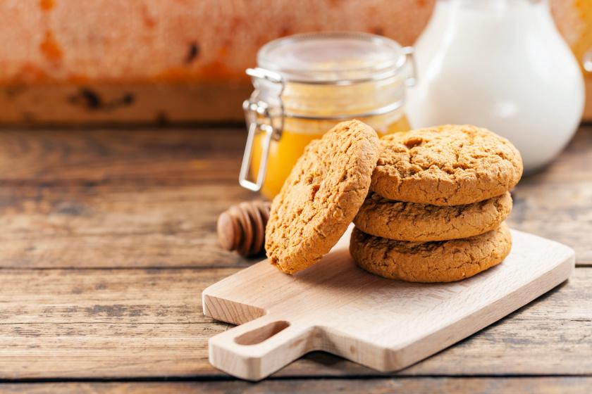 teljeskiőrlésű mézes keksz recept