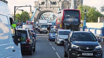 A korlátozások feloldásával kitiltják az autókat London fontosabb utcáiról