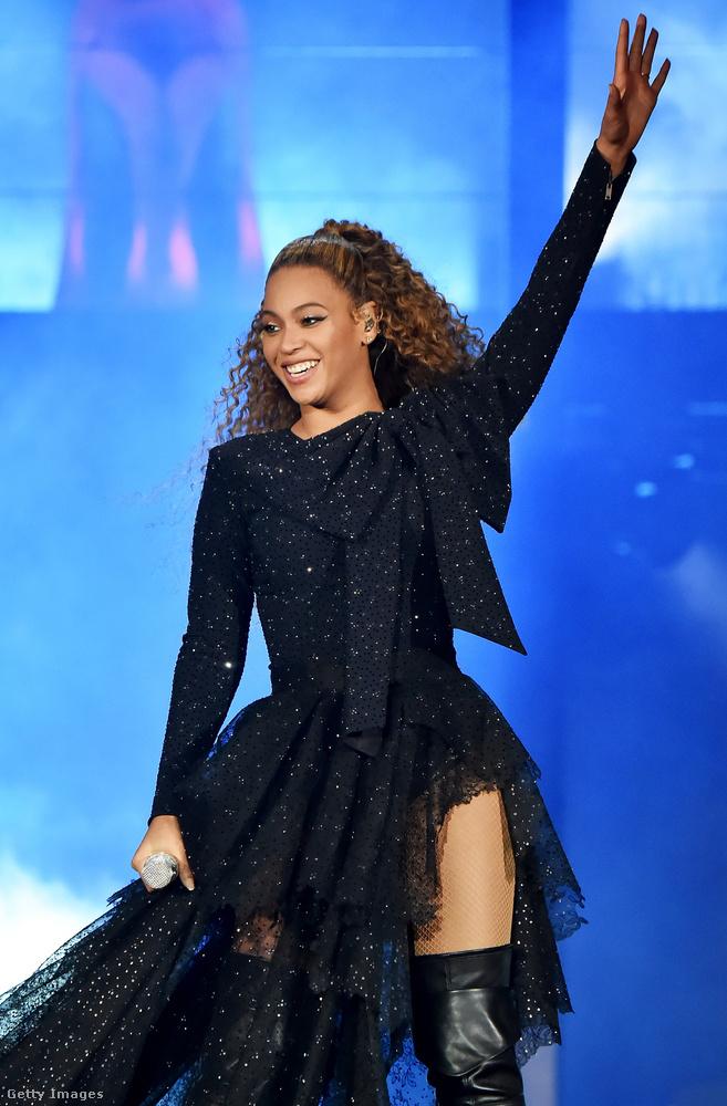 BeyoncéAz énekesnő 2006-ban mesélte el Oprah Winfrey műsorában, hogy egy szerep kedvéért közel tíz kilót sikerült leadnia - hála a limonádé diétának, amely ugyan gyors fogyást ígér, valójában cseppet sem veszélytelen, hiszen a nevéből adódóan nem nehéz kitalálni, hogy szilárd fogások nem igen kerülnek a szervezetbe a tíznapos kúra alatt