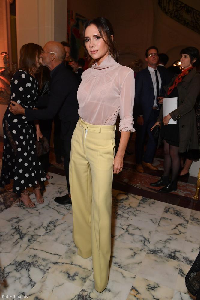 Victoria BeckhamDavid Beckham felesége mindig is híres volt feltűnően keskeny csípőjéről