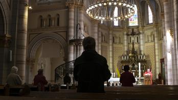 Három egyházmegye is engedélyezte hétfőtől a templomi miséket