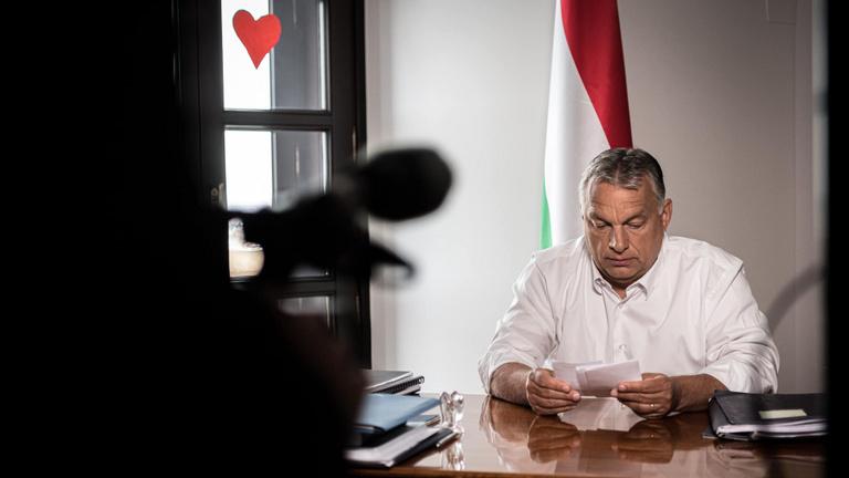 Orbán: A kijárási korlátozást Budapesten is feloldjuk