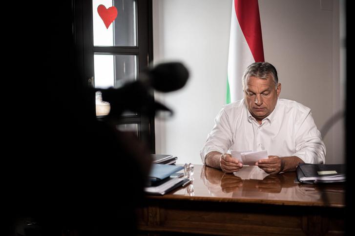Orbán Viktor a bejelentésre készülve 2020. május 16-án