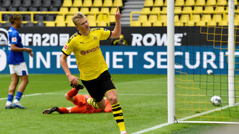Haaland góljával tért vissza a Bundesliga, a Dortmund kiütötte a Schalkét