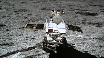 Már 500 földi napot töltött a Csang'o-4 kínai holdjáró az égitest távoli oldalán