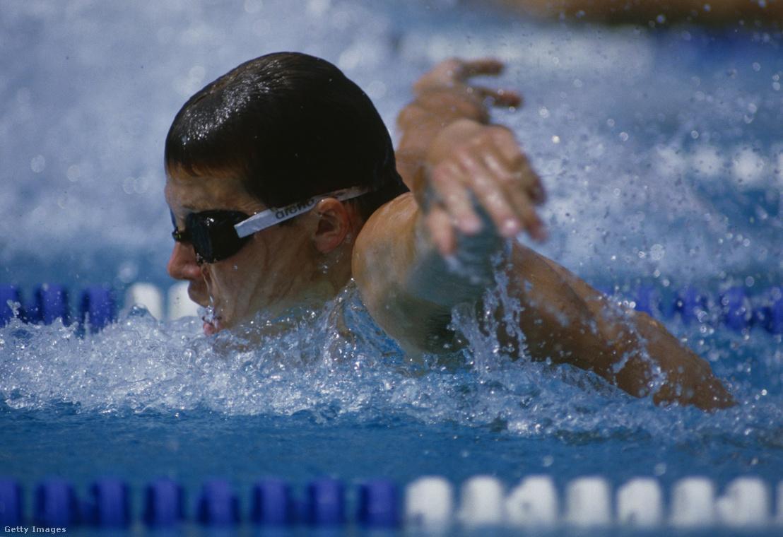 A szófiai Európa-bajnokság 200 méteres vegyesen 2:03,23-at úszott