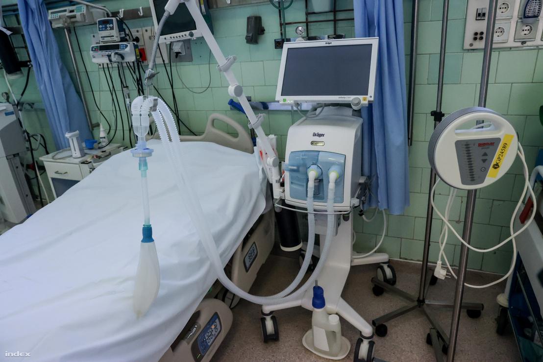 Invazív lélegeztetőgép a Szent János Kórház fertőző Covid-osztályán