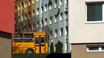 Legkésőbb szerdától Budapesten is újra az első ajtónál kell felszállni a Volánbusz járataira