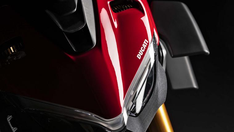 2020-Ducati-Streetfighter-V4-25