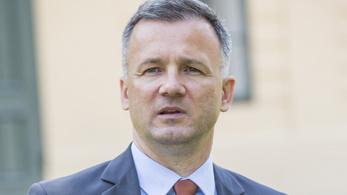 Gyula fideszes polgármestere személyesen jelentette fel rémhírterjesztésért a helyi ellenzékit