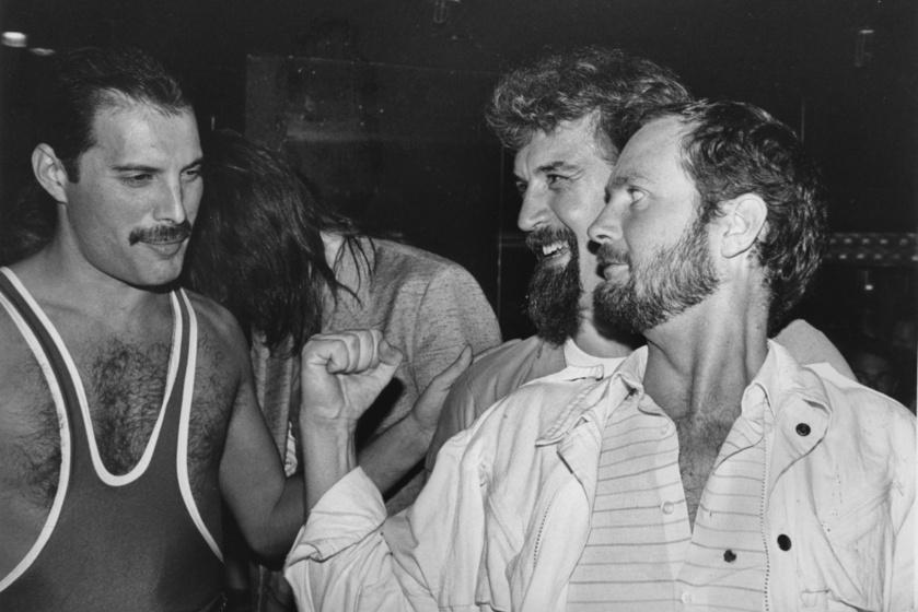 Freddie Mercury Billy Connolly és Kenny Everett társaságában.