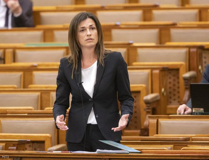 Varga Judit az Országgyűlés plenáris ülésén 2020. május 18-án.