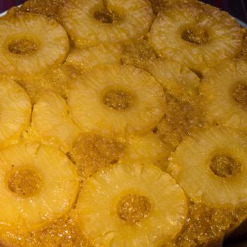 Puha, szaftos piskóta kókusszal és ananásszal – Egzotikus édesség egyszerűen