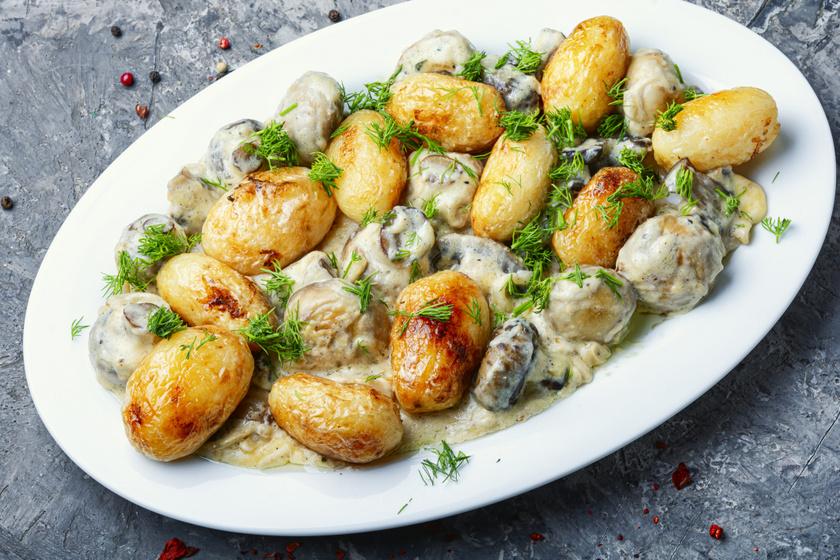 Gombás, fűszeres újkrumpli: belül krémes, kívül ropogós