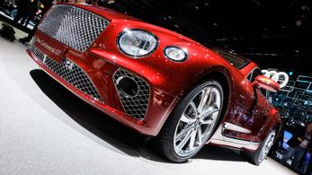 Fontos az elegancia: Bentley-t vegyek vagy Astont?